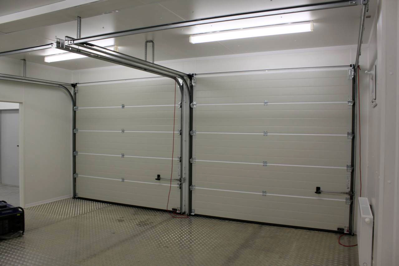 Garage in Containern für Polsterwerkstatt